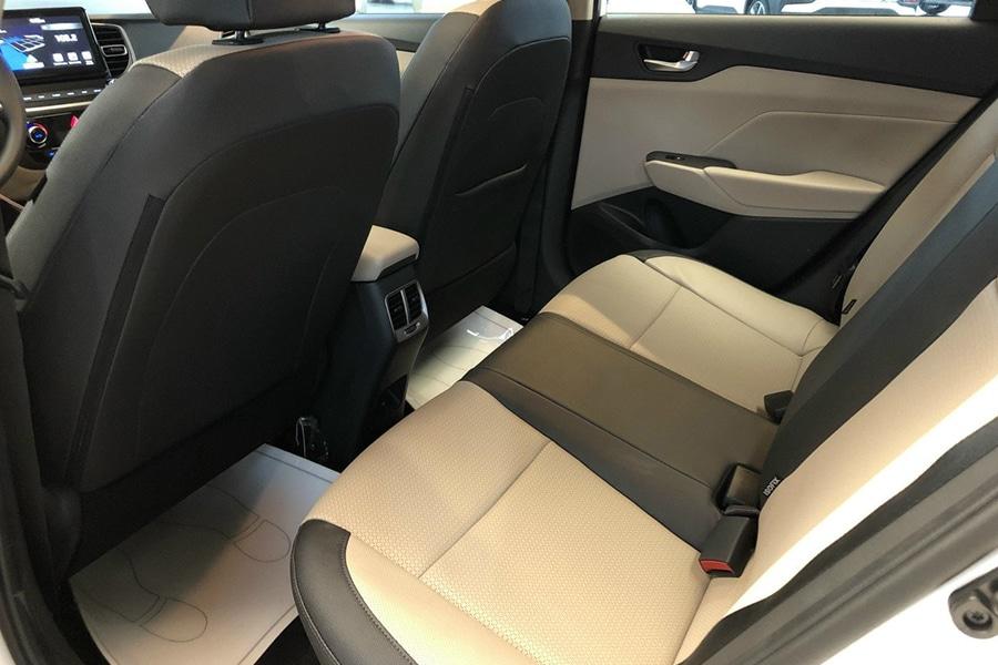 Hyundai Accent 1.4 AT Đặc Biệt - Hình 13