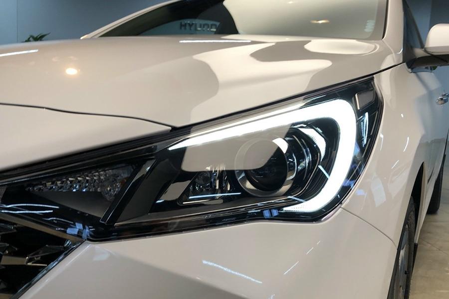 Hyundai Accent 1.4 AT Đặc Biệt - Hình 4